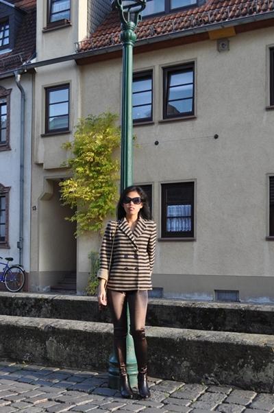 Stripe Jacket Metallic Leggings