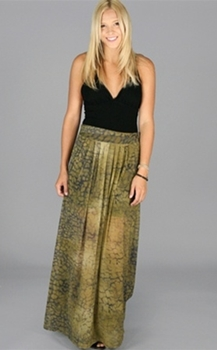 Tips on Wearing Maxi Skirts