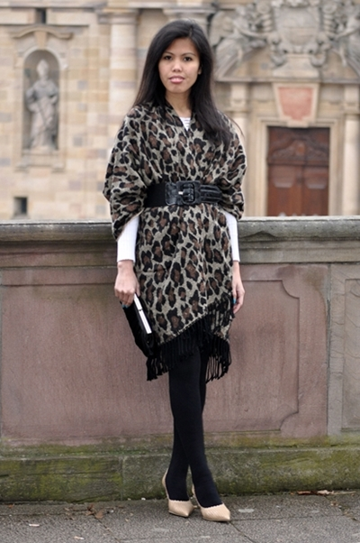 how to leopard print wear cape poncho