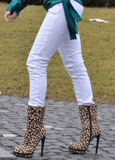 leopard half boots