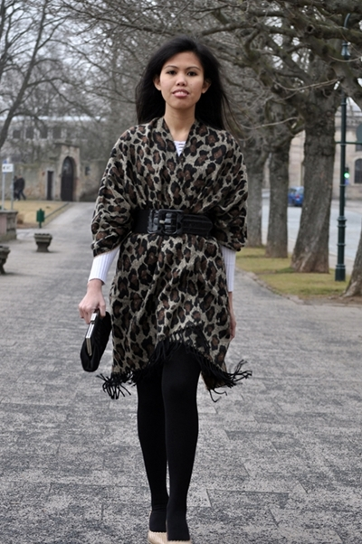 leopard print cape poncho outfit