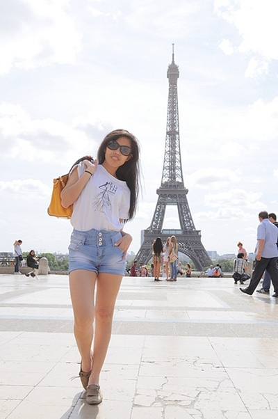 casual outfit in Paris1