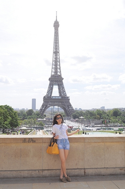 casual outfit in Paris2