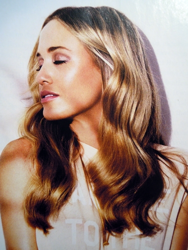 summer hairstyle - the whimsical waves
