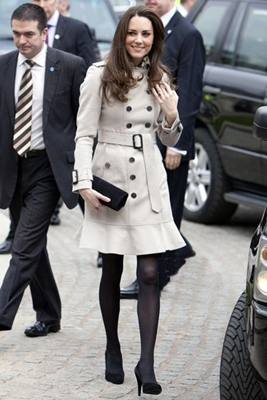 kate-middleton-burberry-trench-coat