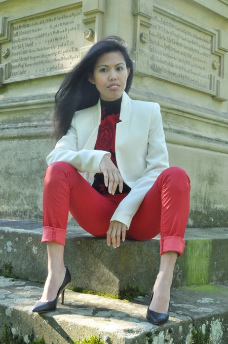 white jacket red pants black pumps