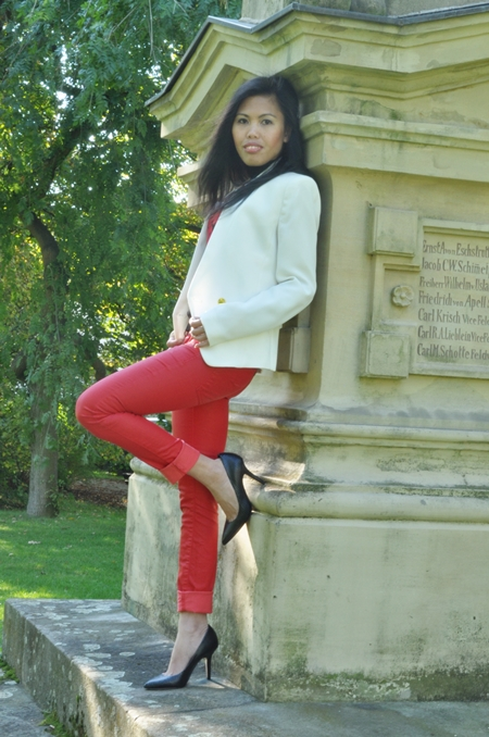 white jacket red skinny pants fall outfit
