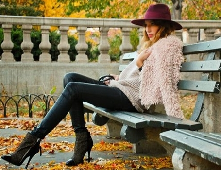 how to wear blush colors in winter