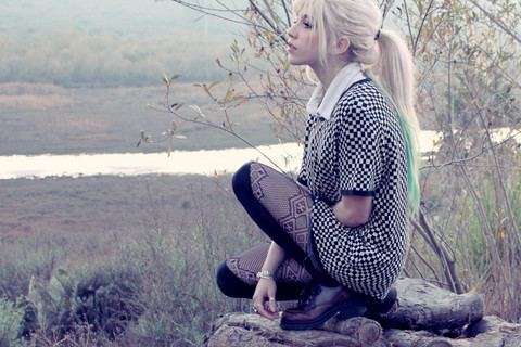 patterned tights outfits