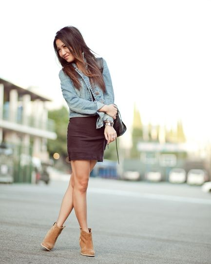 Mini Skirt with Rounded Toe Ankle Boots Shorten Legs