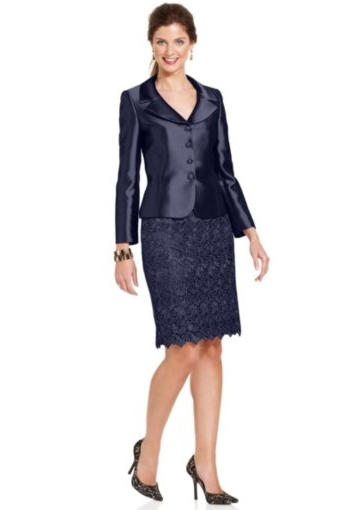 12 Best Suit Styles for Middle Aged Women in a Managerial Position