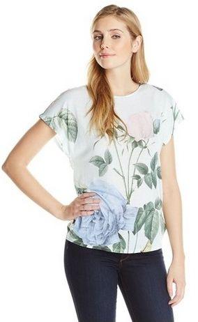 Distinguising Rose-Print T-Shirt