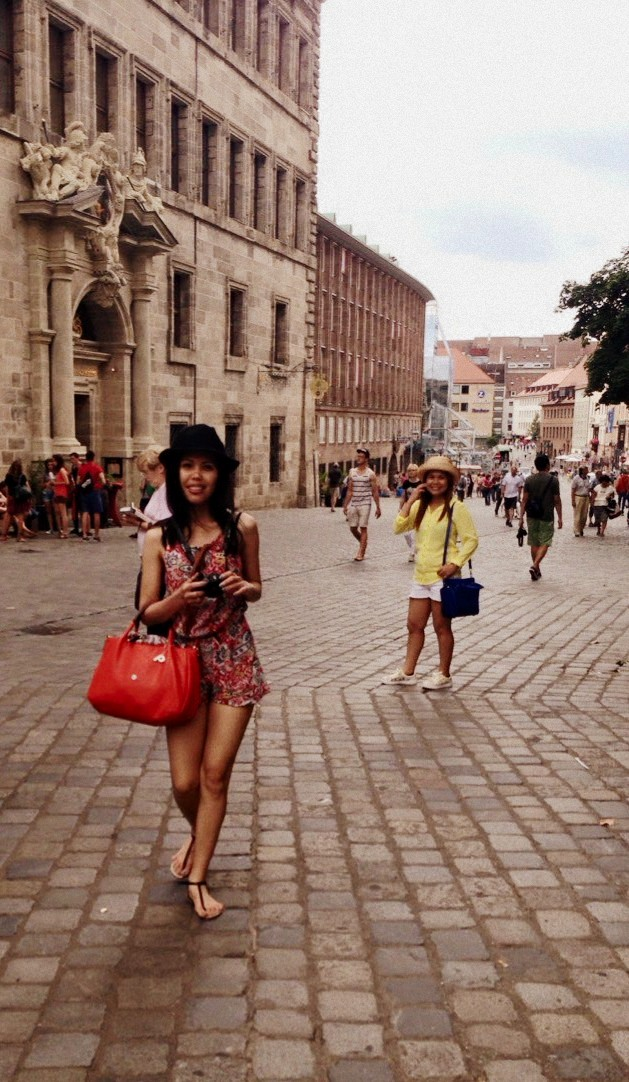 paisley print romper travel outfit