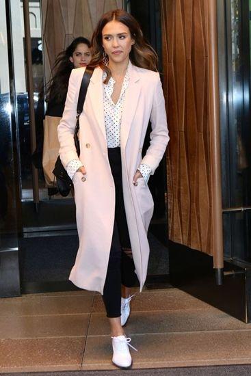 Jessica-Alba-in-pastel-coat