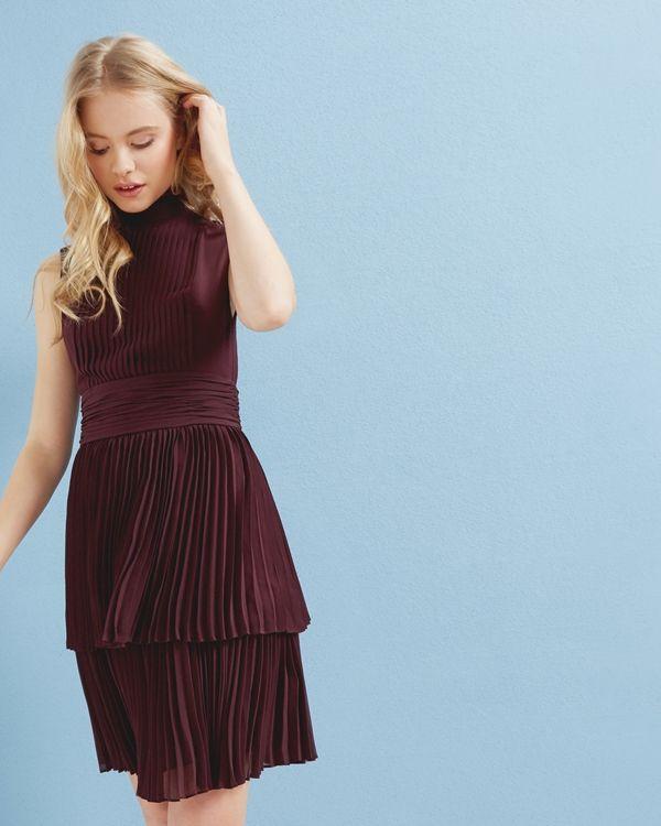 Pleated-sleeveless-dress