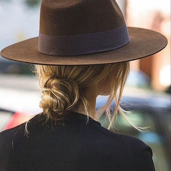 casual-chic-with-fedora