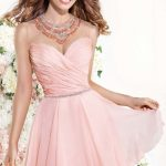 How to Find the Perfect Homecoming Dress on a Budget
