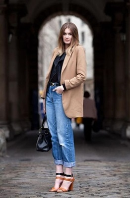 how to wear boyfriend jeans with oversized blazer
