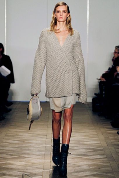 v-neck-loose-knitted-sweater