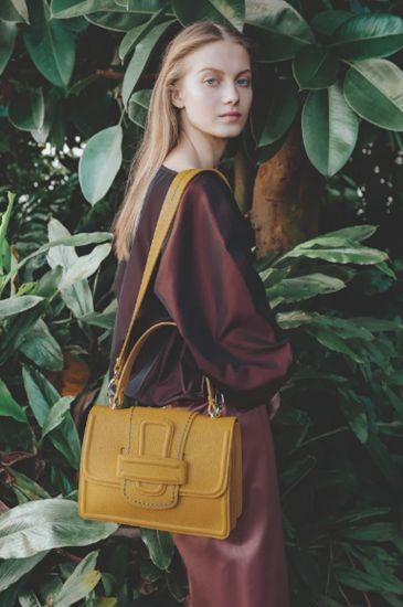 spring fashion trends handbag