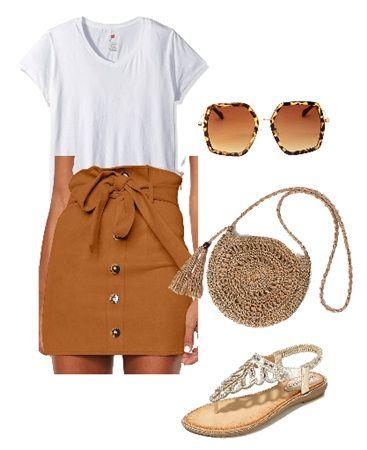 High waist mini skirt with white t-shirt