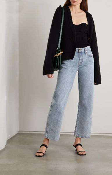 straight-jeans-with-kitten-heels