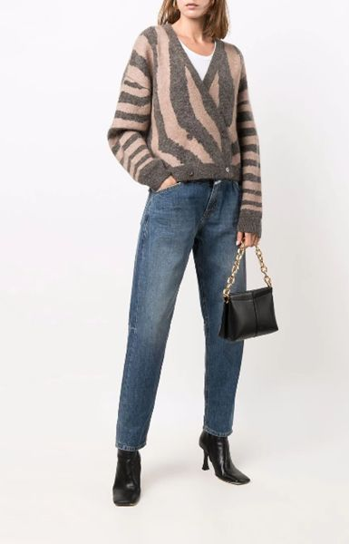 baggy-jeans-with-sculptural-heel-ankle-boots