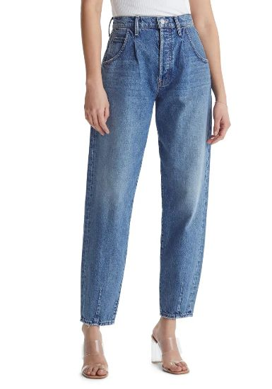 mom-jeans-with-transparent-high-heels